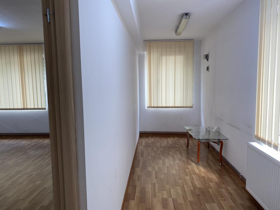 Spatiu birouri 70mp, Marasti, zona Farmec.
