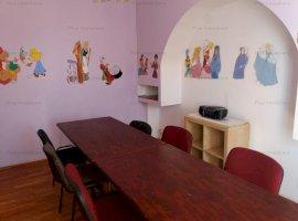 Vila pretabila orice activitate- gradinita sau after-school in zona Tineretului