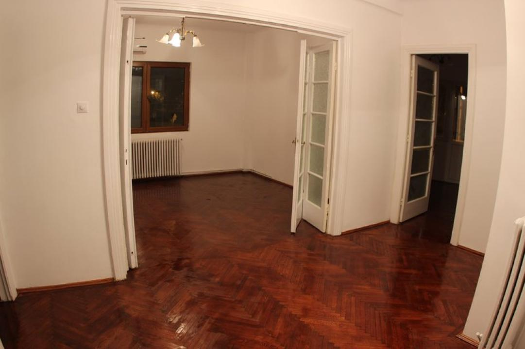 Apartament Unirii, Mitropolie