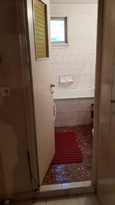 Apartament de vanzare 3 camere Crangasi - Ceahlaul (Mega Image )