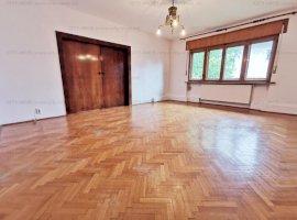 Inchiriere  apartament 4 camere Primaverii  langa Liceul Jean Monnet