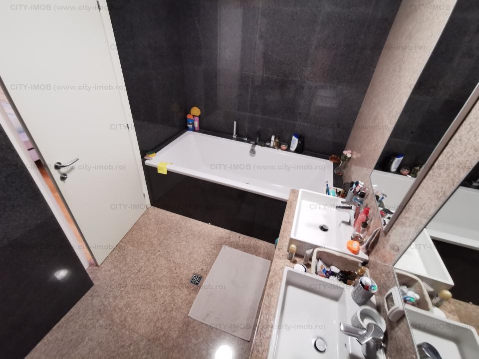 Vanzare apartament 3 camere  Poligrafiei
