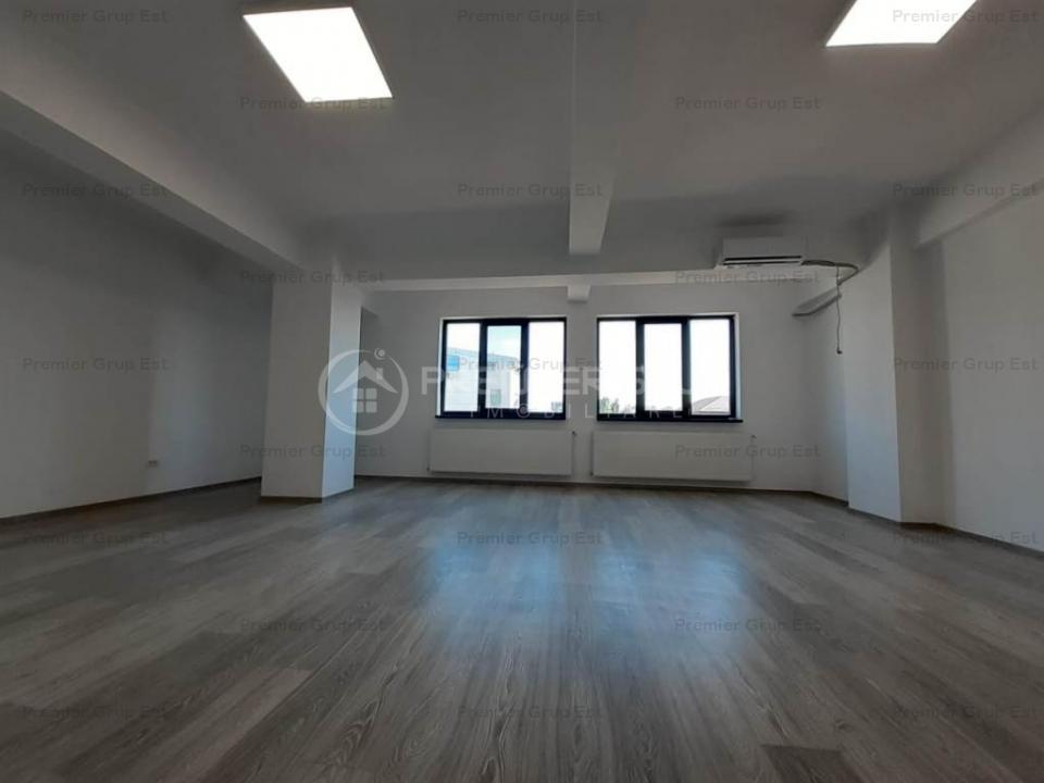 Spatiu de birouri, Podu Ros, 46mp, CT, AC, grupuri sanitare, PARCARE!