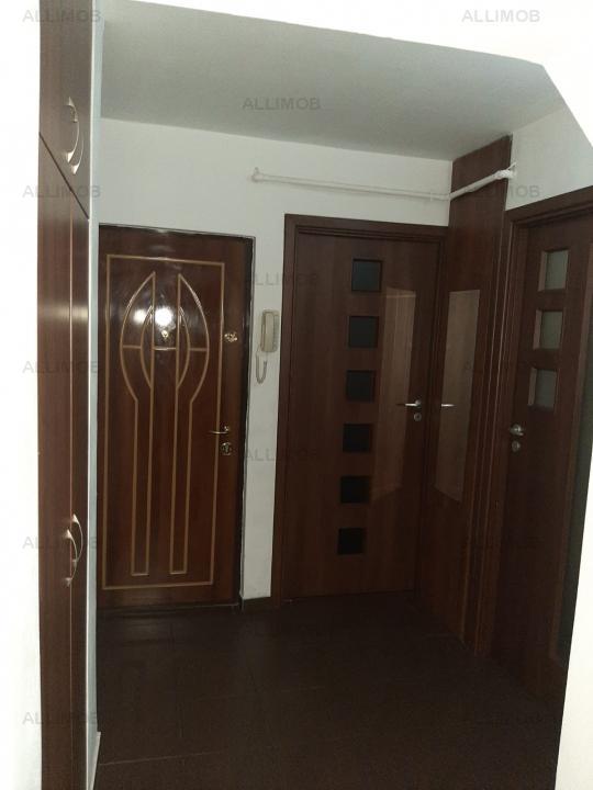 Apartament cu 3 camere in Ploiesti, zona Mihai Bravu