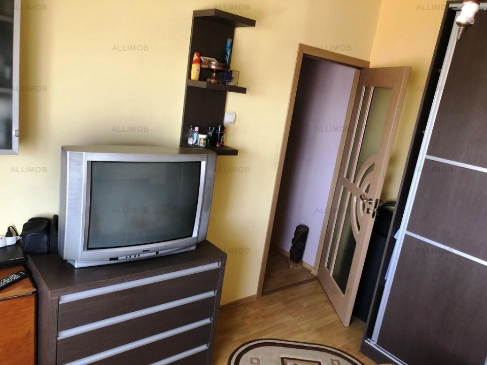 Apartament 3 camere, 3balcoane, ultracentral, Ploiesti