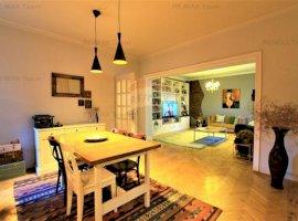 Apartament generos in vila cu 3 camere de vânzare în zona Dacia