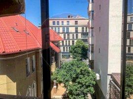 Apartament de 5 camere de vânzare, zona Dacia