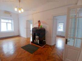 Spațiu birouri renovat - 5 camere de inchiriat - zona P-ta Victoriei