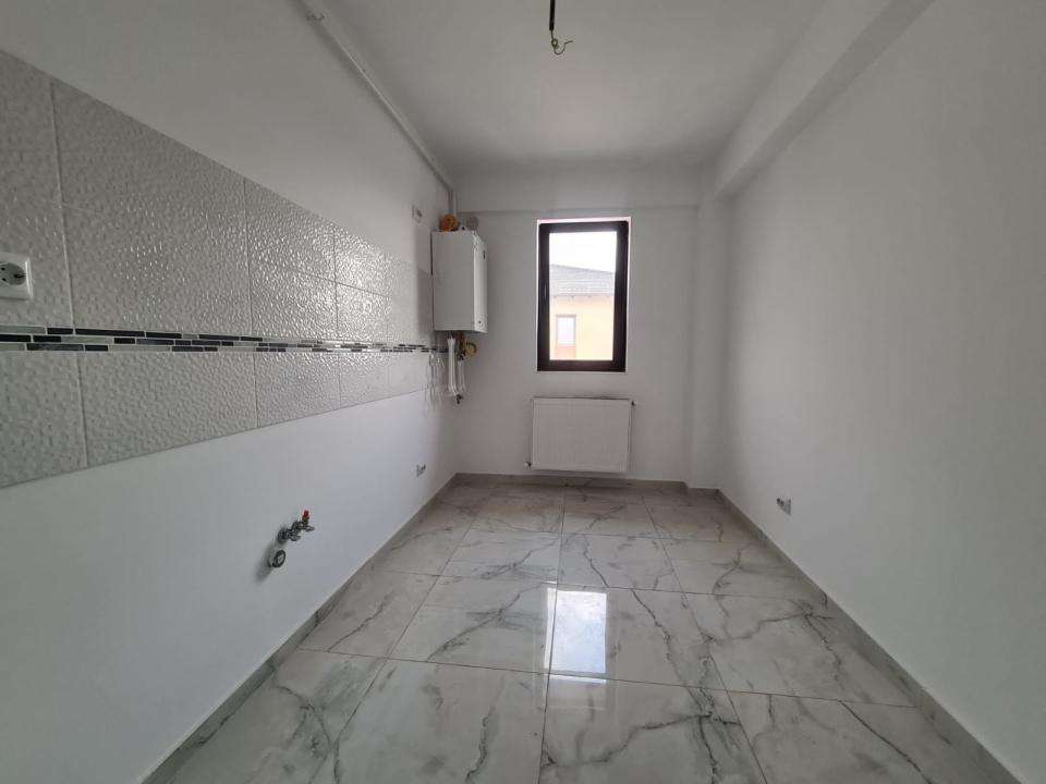 Apartament cu o camera + curte de 20mp pe zona Capat Cug