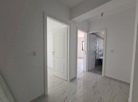 Apartament cu 2 camere + curte 20mp, model decomandat in zona Capat Cug