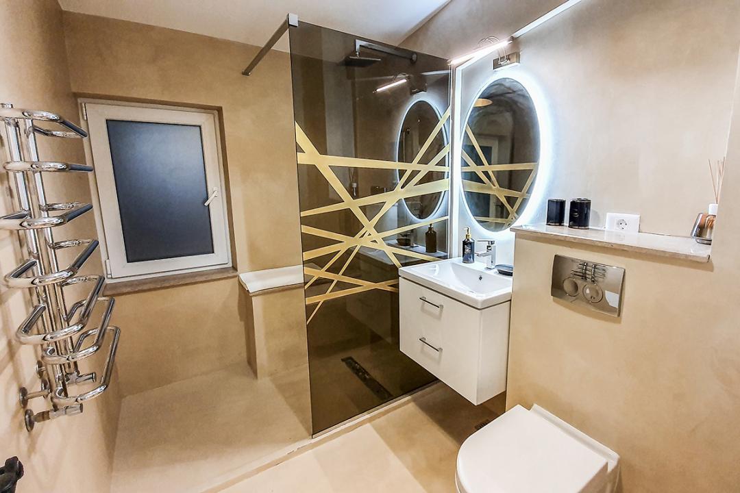 Apartament o camere, deosebit, etaj 1, bloc nou Pacurari - Valea Lupului