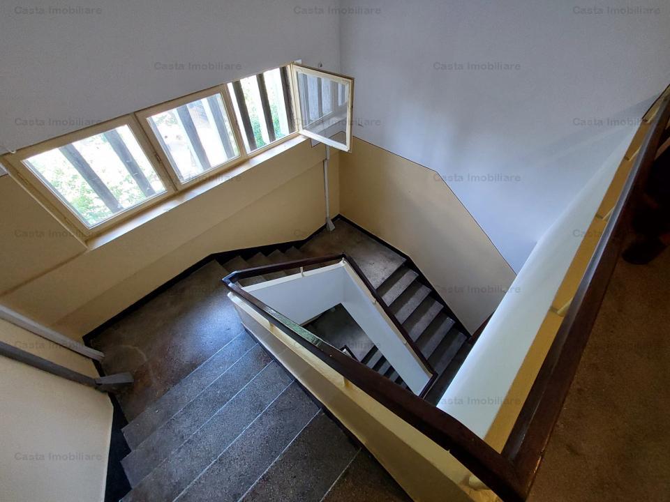 Apartament 3 camere 60m² în Crangasi, Constructorilor