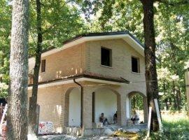 iNEX.ro | Casa de vis in Padurea Gavana | 1,000 mp Teren | Finisaje Lux
