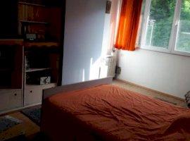 Apartament 3 camere decomandat - Prundu