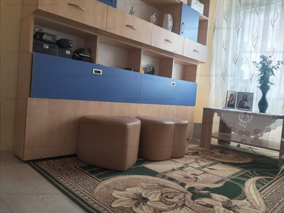 Apartament 3 camere,decomandat,Pacurari,langa RDS.
