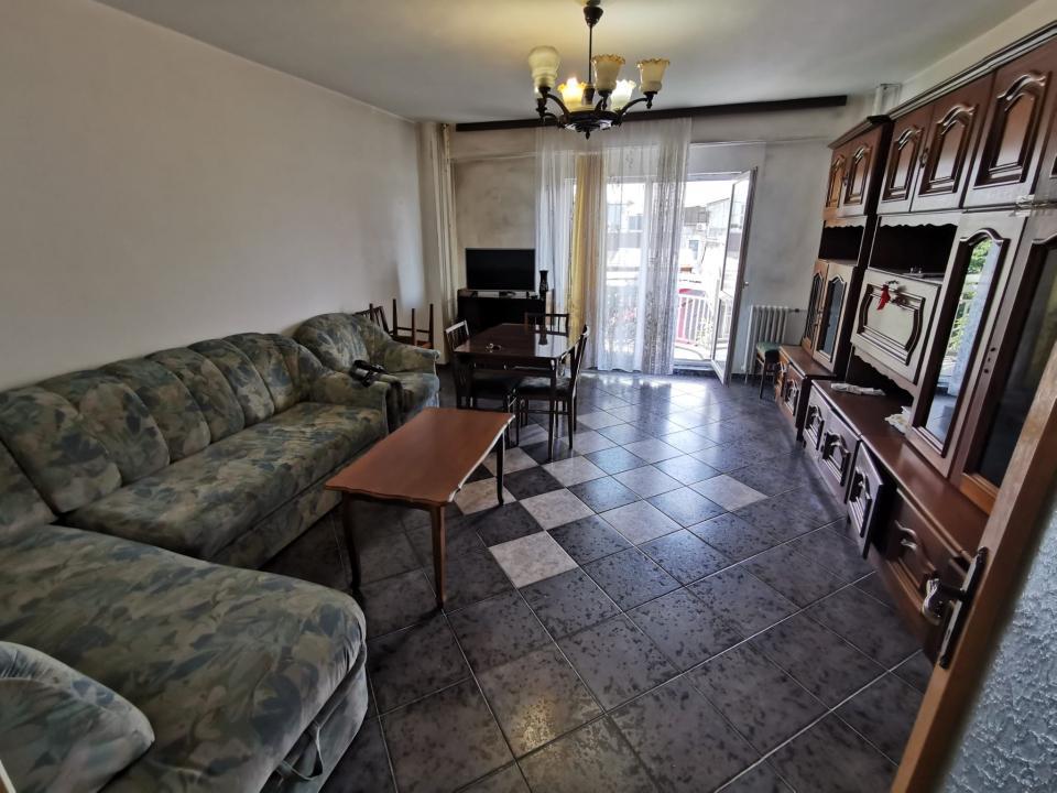 Apartament 3 camere Pta Alba Iulia- Burebista