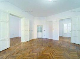 Apartament complet renovat, suprafața utilă de 170 mp, zonă centrală