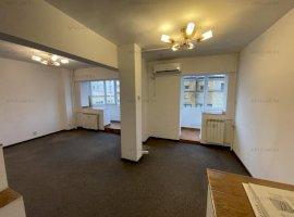 Bd Unirii adiacent, apartament 3 camere, 82mp, etaj 3, decomandat.