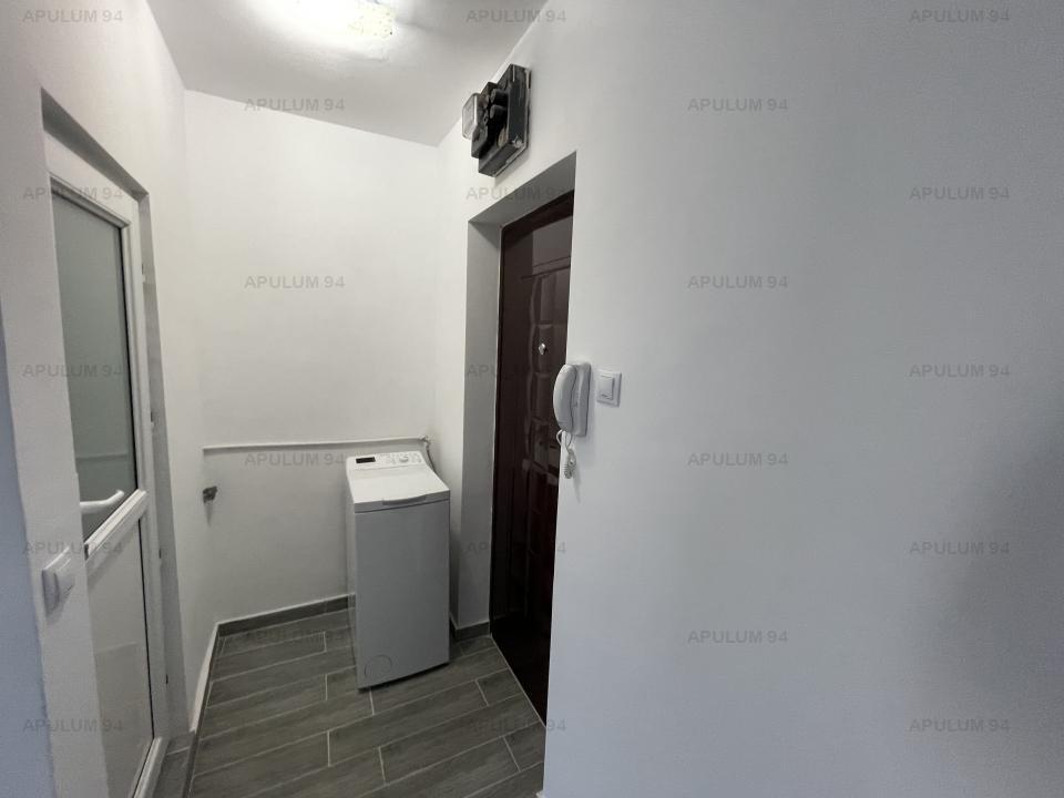 Garsoniera, Rahova, etaj 5, semidecomandata, recent renovata.