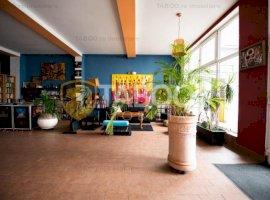 Pensiune de vanzare 19 camere terasa salon 120 persoane parcare Sibiu
