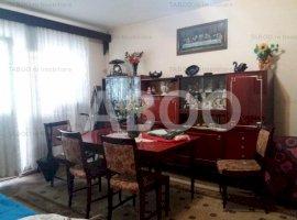 Apartament de vanzare 4 camere etajul 1 in Cisnadie zona buna