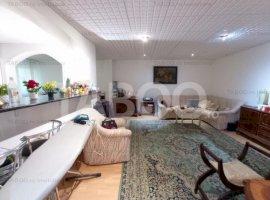 Apartament la casa 2 camere spatioase curte comuna zona Centrala Sibiu