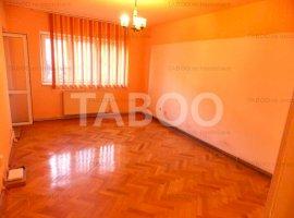 Apartament 3 camere 2 bai 2 balcoane pivnita et 1 Sibiu zona Siretului